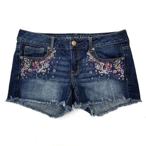 American Eagle Embroidered Cut-Off Jean Shorts VGC